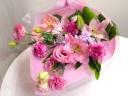 《ユリ&シーズンフラワーの花束》愛らしいPINK♪