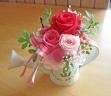 ブリキジョーロに可愛くピンクのバラ♪