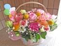 カラフルなお花を手付きバスケットに♪