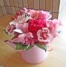 ブリキジョーロ(ピンク)にピンク系のお花♪