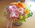 ピンク&オレンジのお花でふんわり優しいプリザ♪