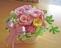 ふんわり優しいピンク系のお花を手付きカップに♪