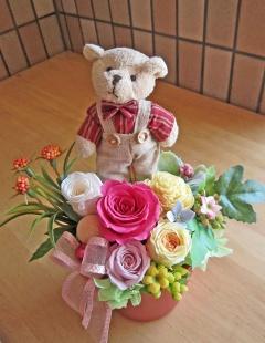 クマさんとカラフルなお花で可愛く♪