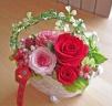 ゴシック調シルバー花器に人気のピンク・レッドプリザ