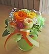 イエローオレンジ系のお花をガラス花器に♪