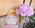 フリル咲きピンクアレンジメント&大阪カステラセット