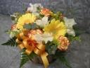 黄色とオレンジの母の日アレンジメント