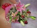 大輪ユリのピンク花束