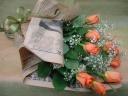 オレンジor黄色のバラとカスミ草のお花束