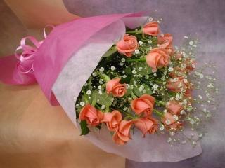 ピンクのバラのお花束