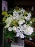 御供え法事等に豪華に籠にお入れしたお花