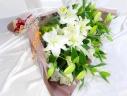ユリいっぱいの豪華花束★<生花>