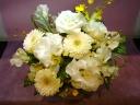 「お供え花」~ホワイト・クリーム