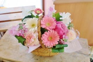 ★かわいいバスケット★ピンク系 アレンジ花