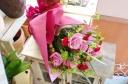★赤・ピンク系 バラ入り★おまかせ花束