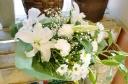 ★白ユリ入り★白仕立て お供え用 花束