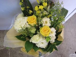 ホワイトイエロー花束