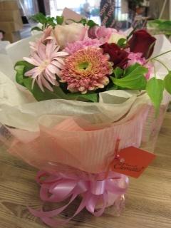 ガーベラ入りピンク系花束