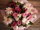 ガーベラとトルコキキョウのキュートな花束