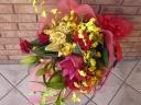 ユリとバラのゴージャスな花束