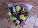 菊とカーネーションの御供用花束