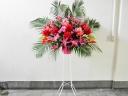 開店/開業の御祝いに ピンクレッド系のスタンド花