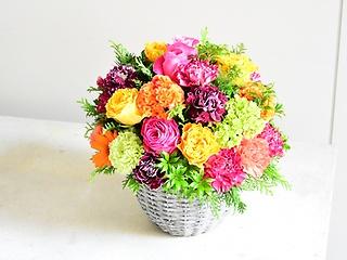 カラフルで明るい花のドーム