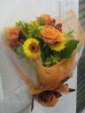 オレンジバラ入り花束