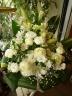 白いお花で「お悔やみアレンジメント」