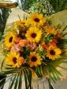 ヒマワリの明るい花束