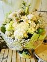 花束「シャイニングホワイト」