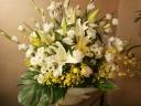 落ち着いた感じのお供え花