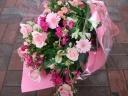 ピンクバラと季節のピンク系ブーケ