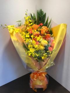 豪華で華やかな花束