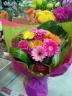 ビビットでキュートな花束