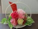 ピンクバラとフレッシュグリーン・プリザ