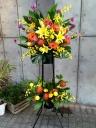 お祝いにはスタンド装花