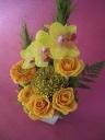 黄色い胡蝶蘭アレンジメント
