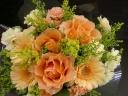 黄・オレンジ系のまーるいブーケみたいな花束