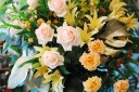 イエロー&オレンジ系のスタンド生花