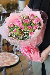 バラのラブリー花束