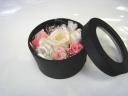 BOX入りプリザーブドフラワーwhite&pink