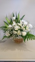 ユリと菊の故人を偲ぶお供え花