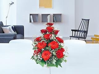 赤バラタワーアレンジメント かすみ草付