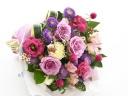 落ち着いた色合いで、花束を♪