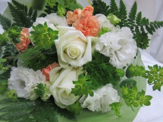 ピュア*白バラとトルコキキョウの花束/B40