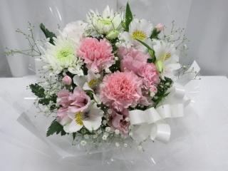 供花アレンジメント*淡ピンクとカスミソウ35