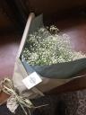 カスミ草花束