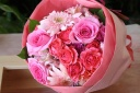 ピンクのお花畑ブーケ