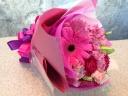 ピンクグラデーション・キュートな花束・ブーケタイプ